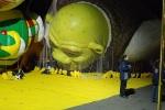 Shrek, restrained
