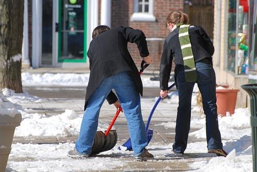 Team shoveling