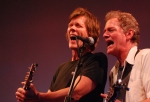 Kevin & Michael Bacon sing