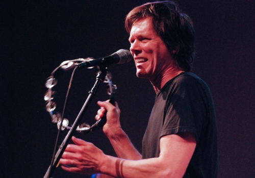 Kevin Bacon, tambourine man