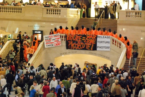 Torture protesters, Grand Central Station, 5/29/09