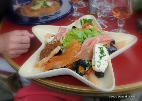 """Salad Jet Set,"" Nantes"