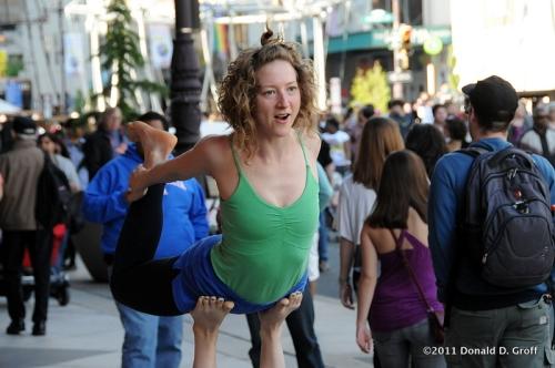 street performer, Philadelphia international festival of the arts