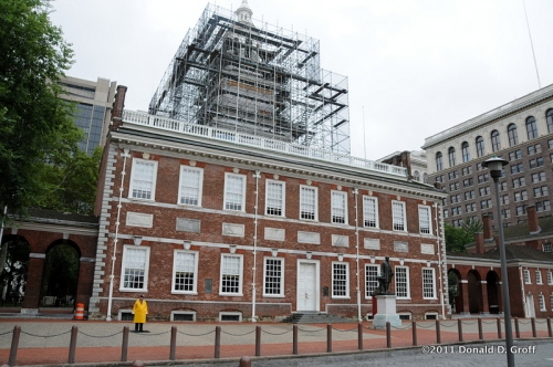 Independence Hall, unfazed